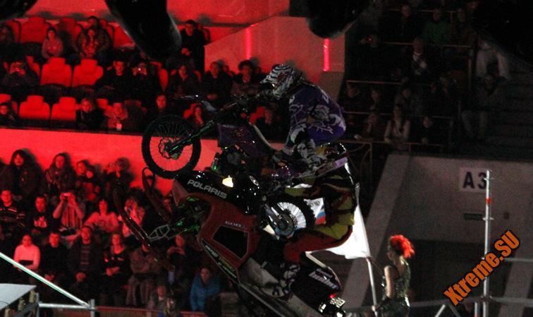 Прорыв 2011 - Снегоход против мотоцикла